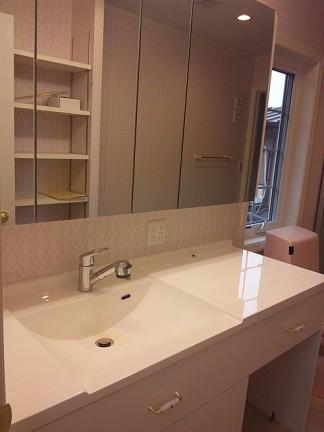 洗面化粧台の設置写真